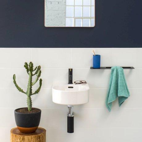 CLARK square hand towel rail.jpg