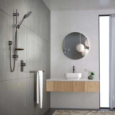 Villa_Bathroom_Shower_12_GM hose.jpg
