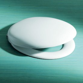 Pedigree II Toilet Seat with GermGard® - Soft Close
